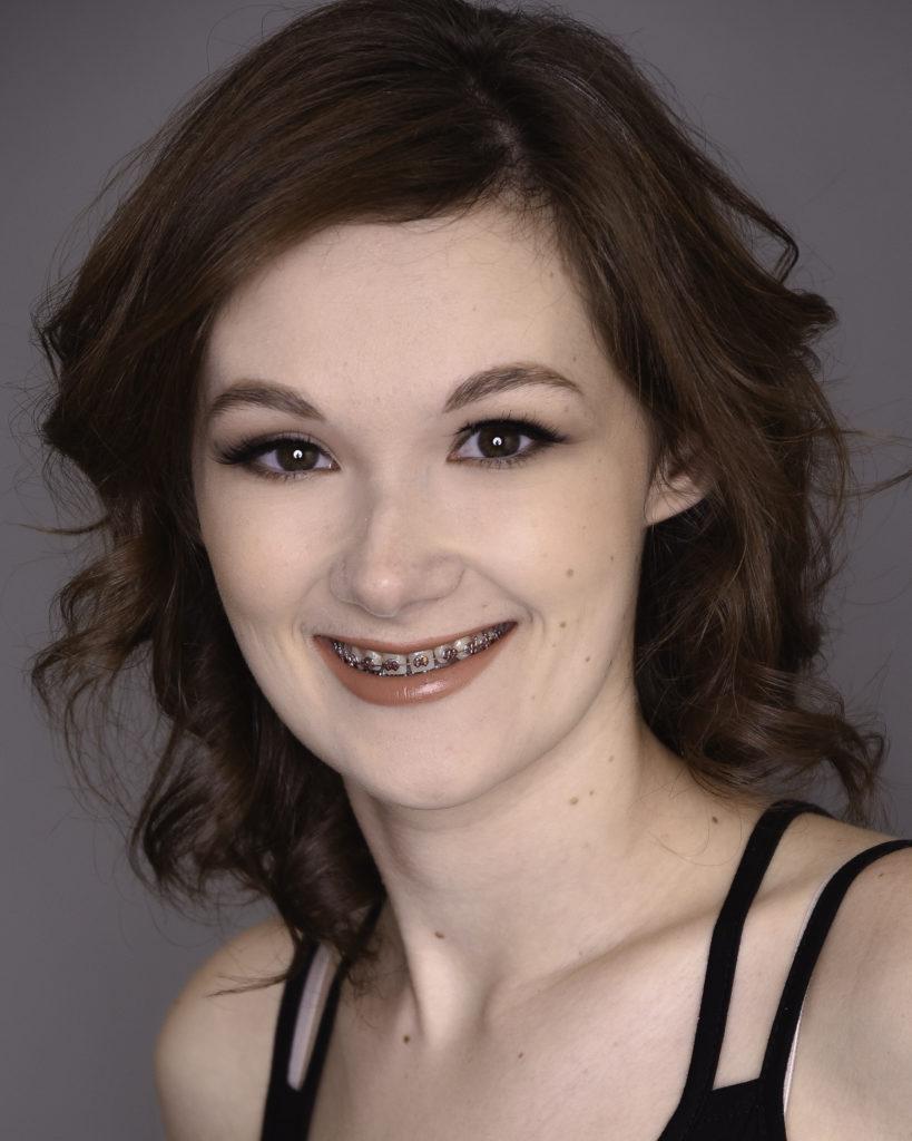 Chelsea Gussenhoven Headshot