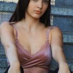 Kaitlyn Verona Headshot